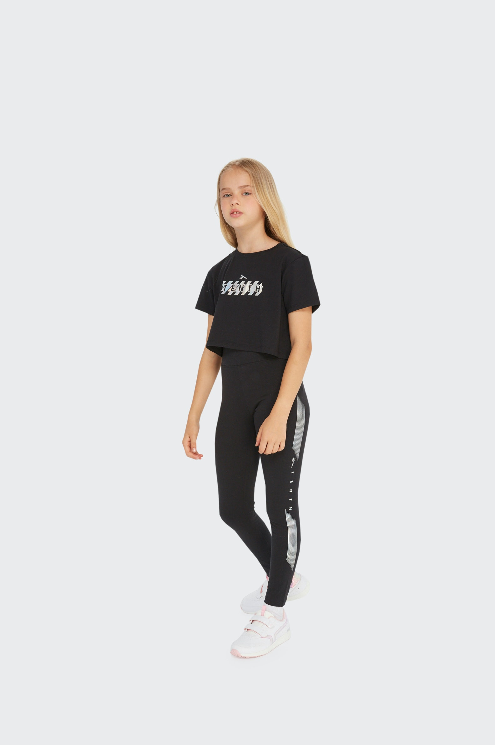 T-SHIRT FREESTYLE TENTH LOGO FILLE